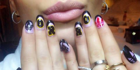 9 Best Hollywood Celebrity Nail Art Designs | Styles At Life
