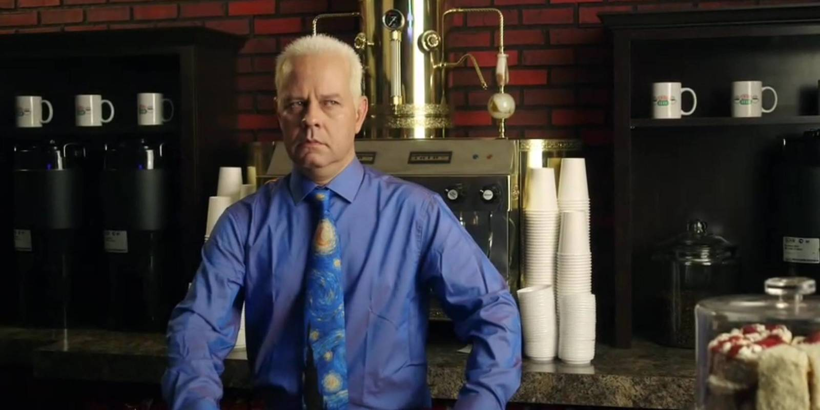 Gunther stars in new Friends promo for Netflix