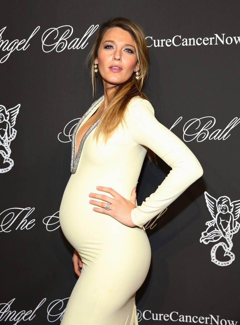Blake lively yellow maternity dress dress blog edin blake lively yellow maternity dress ombrellifo Images