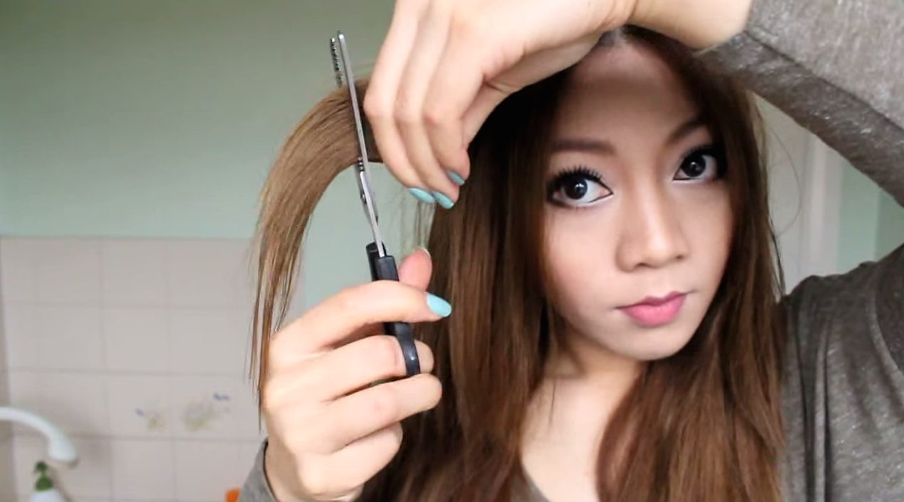 Style Your Own Hair: 8 YouTube Tutorials That Make DIY Haircuts Look Super Easy