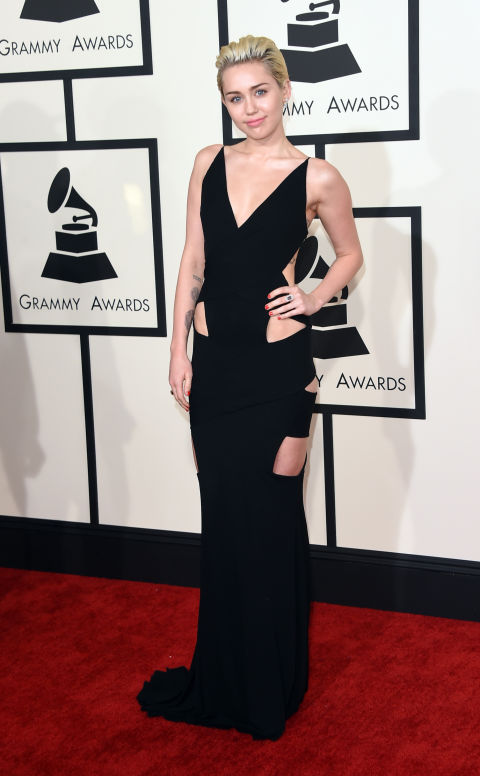 Taking the cut-out trend all the way down to her thighs, Miley kept her hair and makeup clean so her LBD did ALL the talking at the 2015 Grammys.