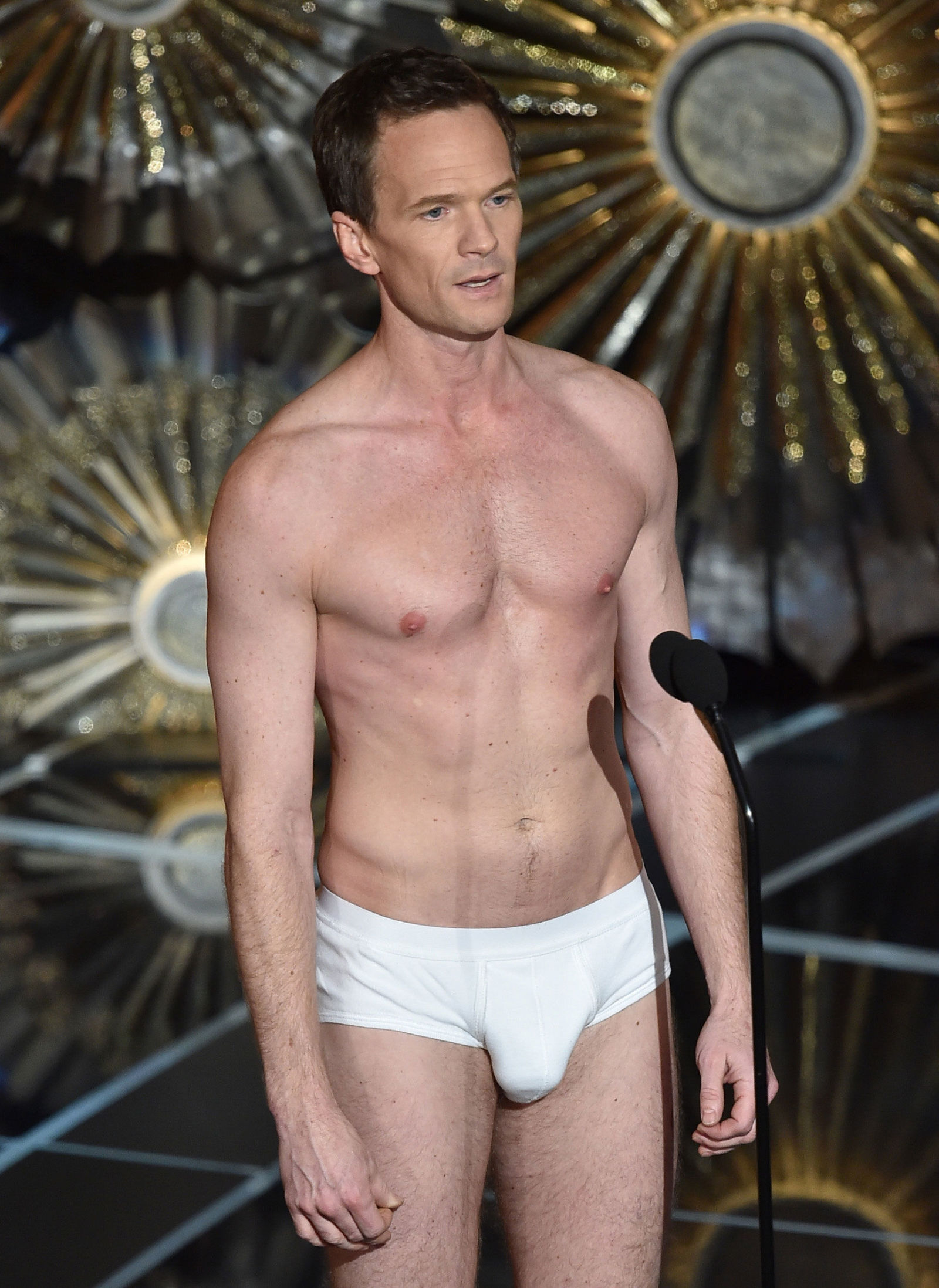 Picture5788 further 30438176 moreover Humphrey Bogart moreover Neil Patrick Harris Oscars Bulge also Watch. on oscar blooper video