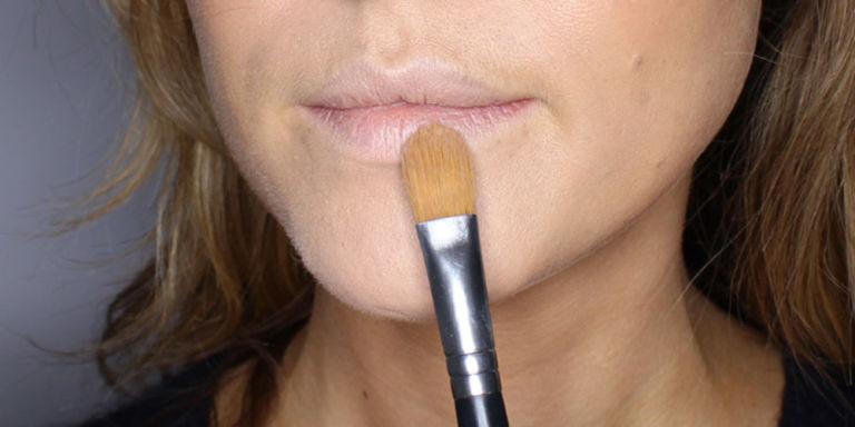 Très Maquillage lèvres pulpeuses : notre tuto en 5 étapes - Cosmopolitan.fr TK41
