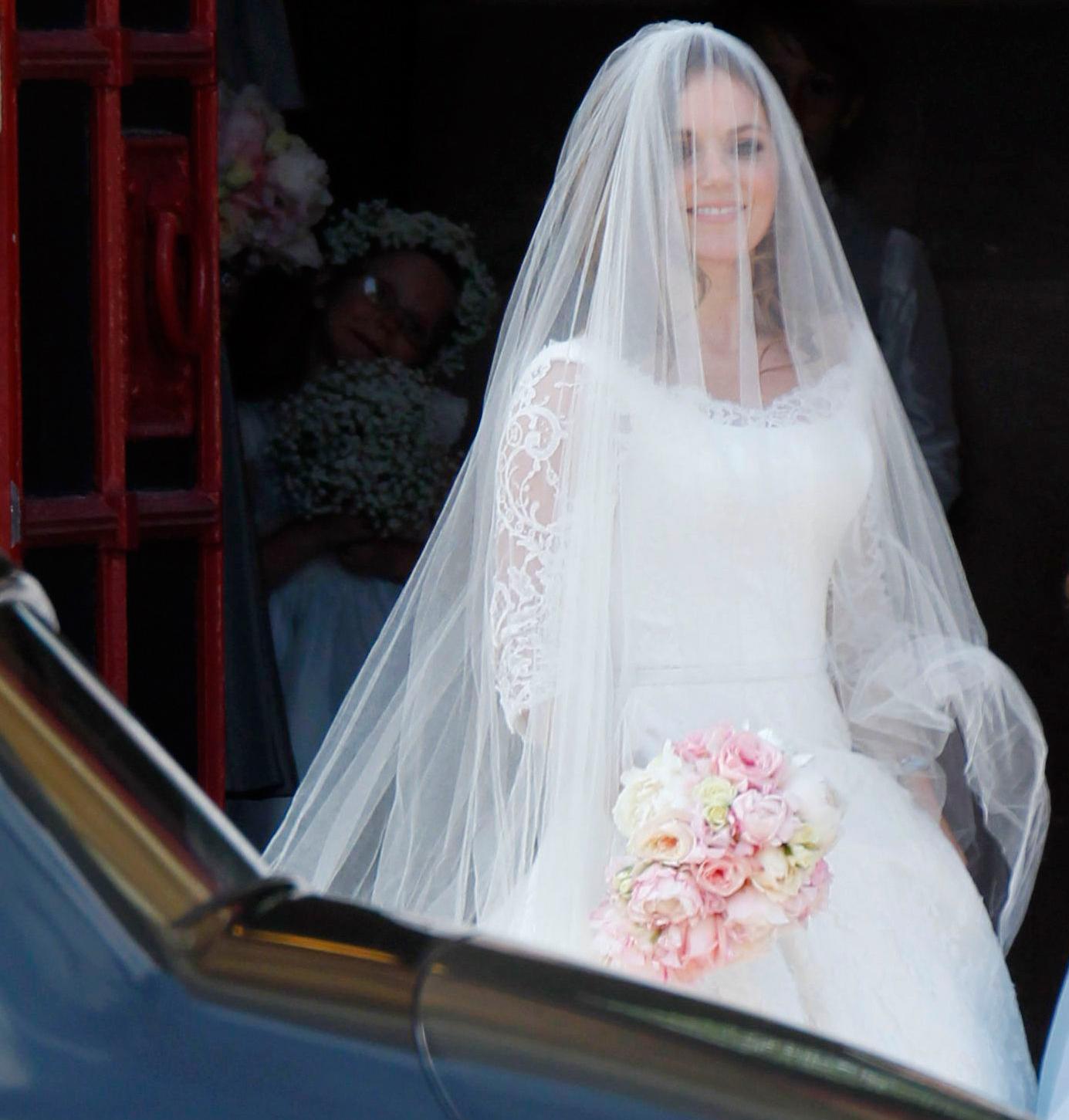 fashion celebrity news geri halliwell just married wedding dress photos