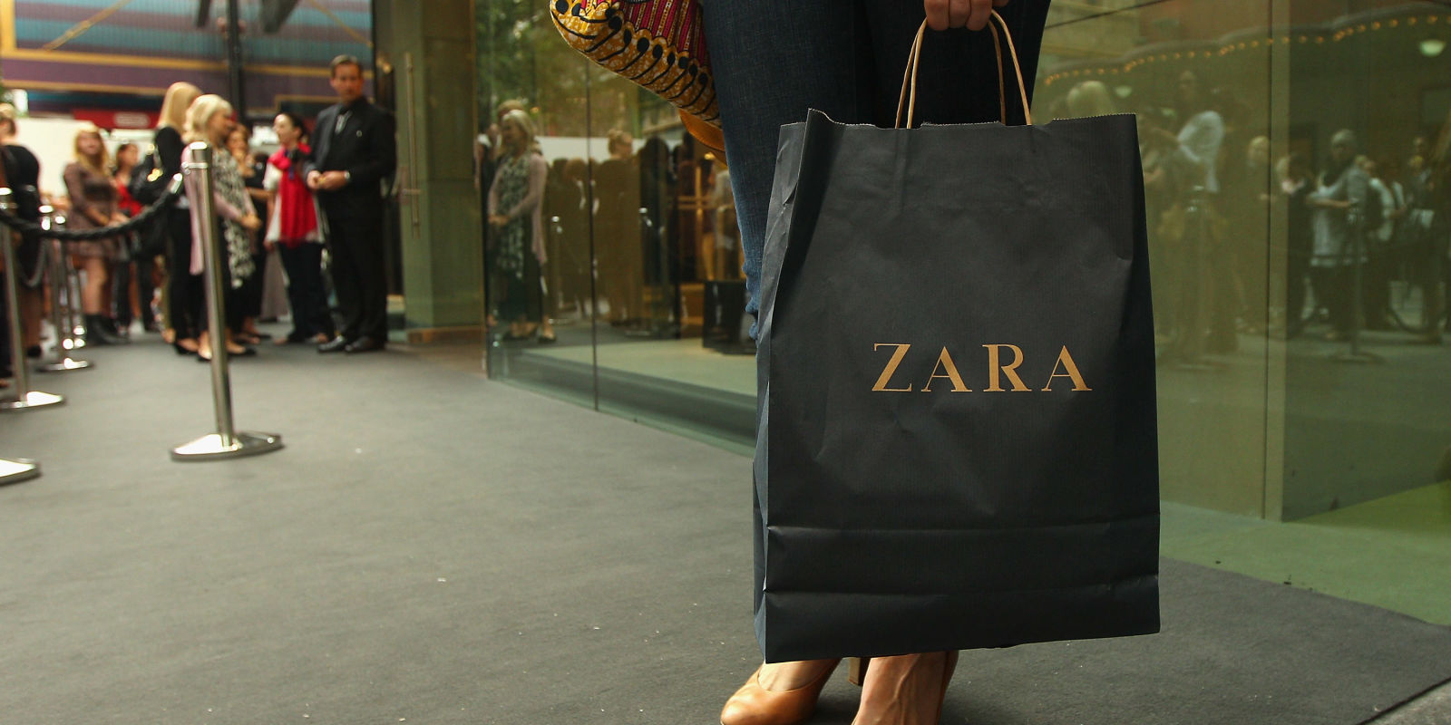 zara 39 s customers are threatening to boycott the brand and. Black Bedroom Furniture Sets. Home Design Ideas