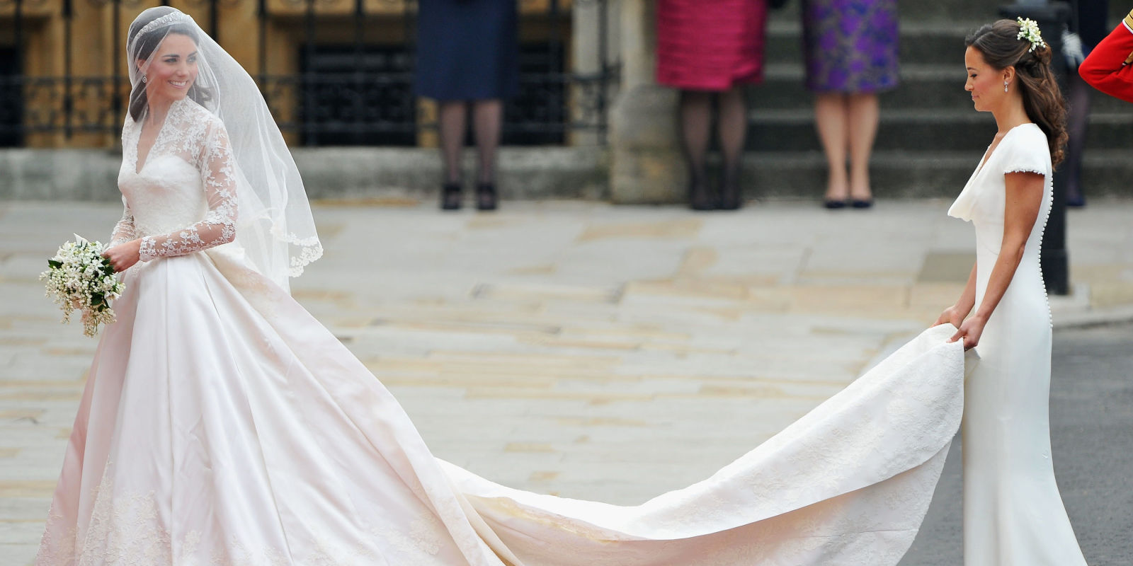 Alexander mcqueen is being sued over kate middleton 39 s for Princess catherine wedding dress