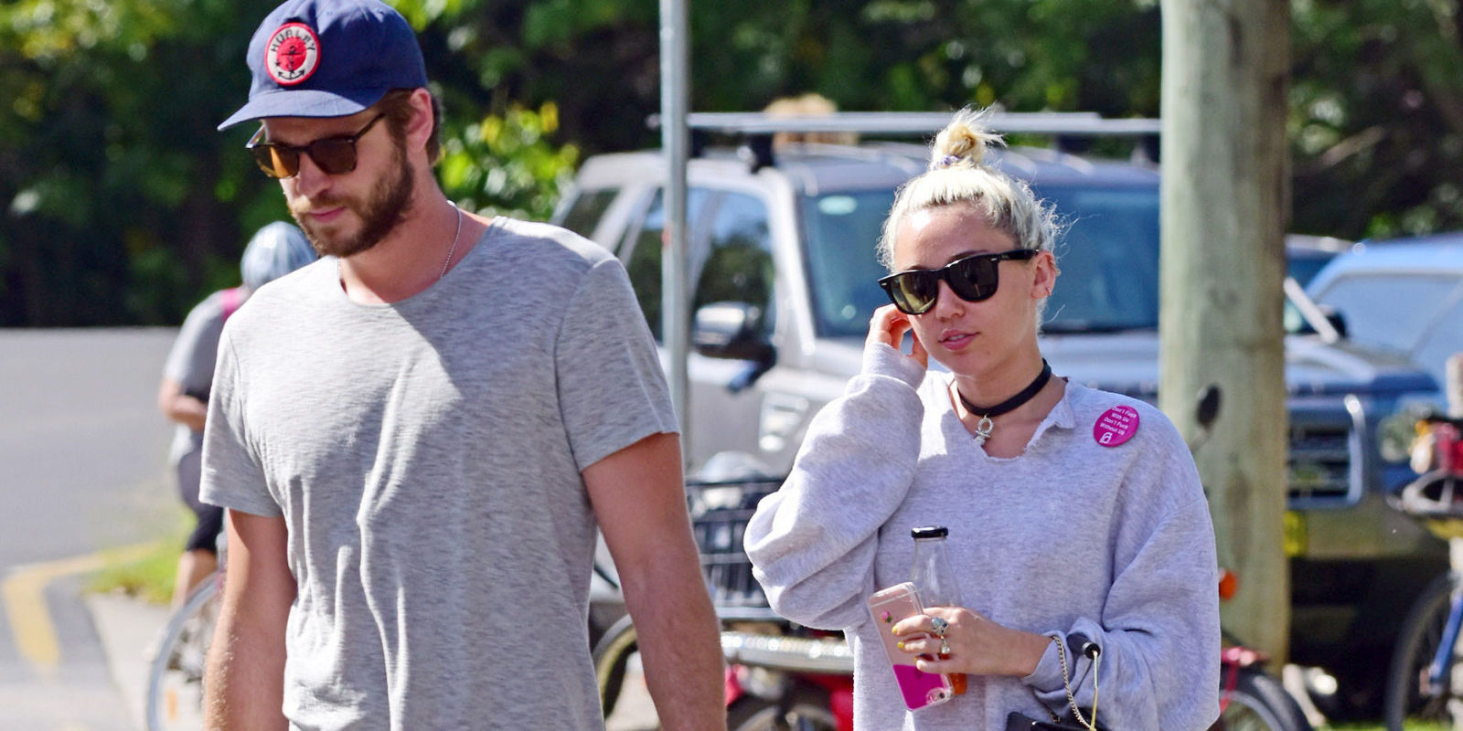 Miley Cyrus and Liam Hemsworth just made their reunion Instagram official