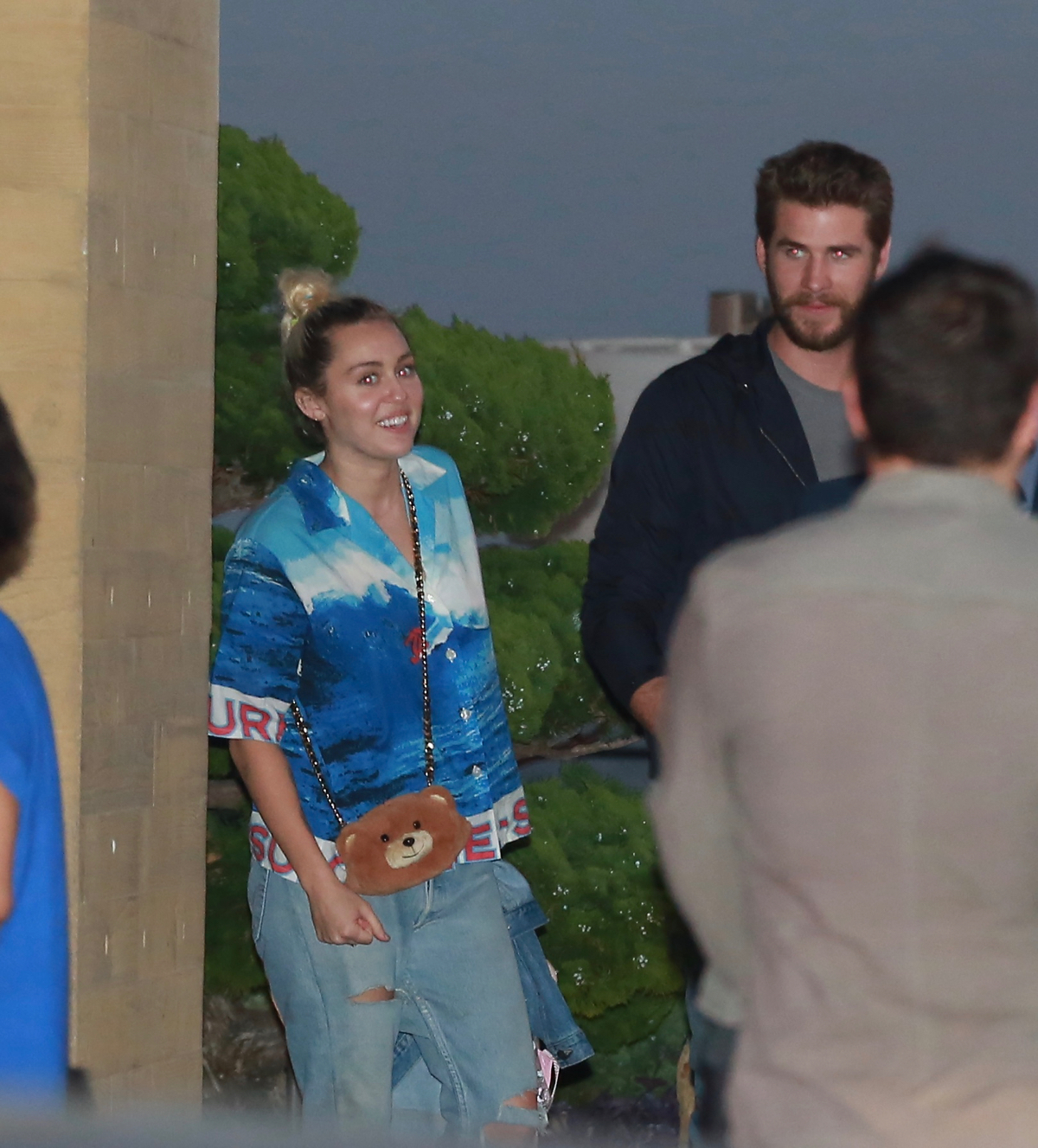 Miley Cyrus and Liam Hemsworth went out to lunch and had a great time pissing off paparazzi