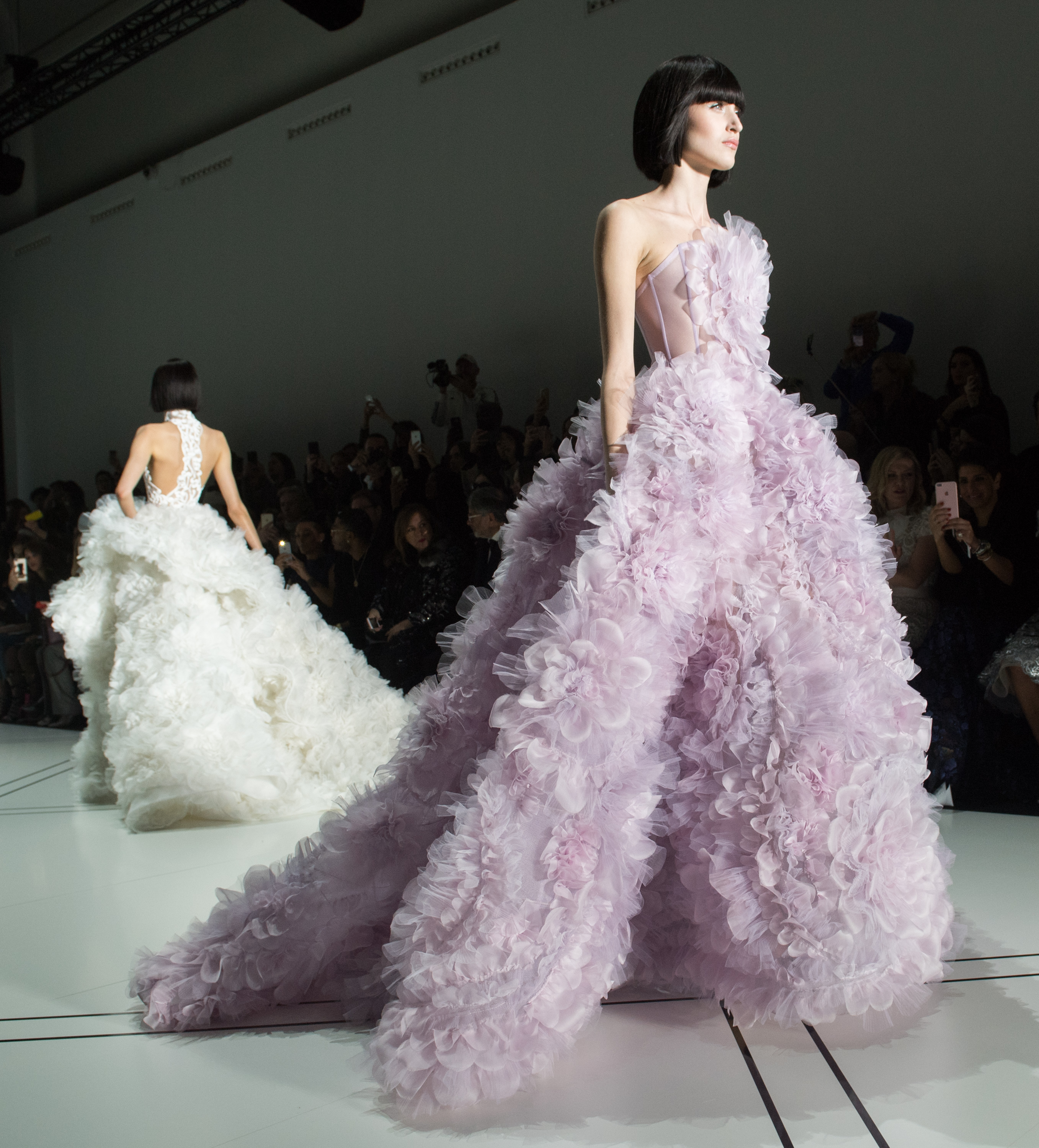 The most beautifully ott wedding dresses from paris haute for Haute couture fashion