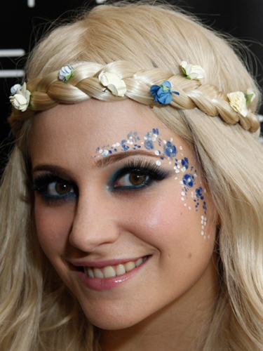 Cute makeup ideas for school for blue eyes