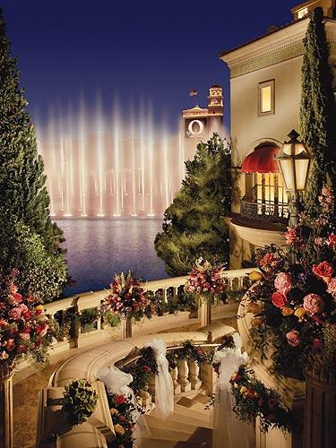 Top five las vegas wedding chapels for Best las vegas wedding packages