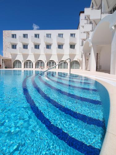 Go island hopping in croatia for Boutique hotel korcula
