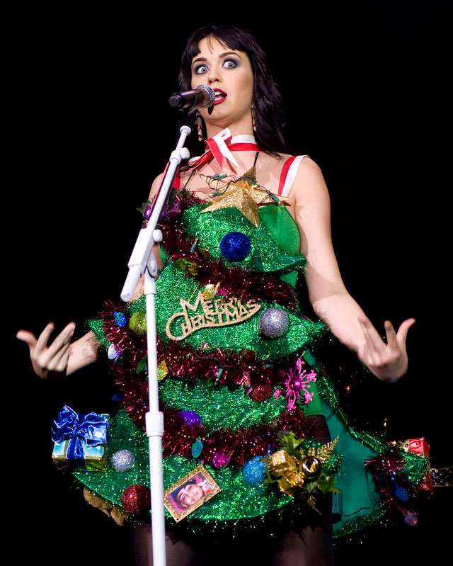 Katy perry s 10 greatest outfits of all time from fairy lights to
