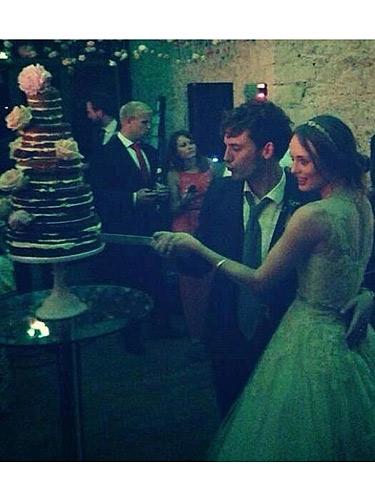 hunger games actor sam claflin marries laura haddock in