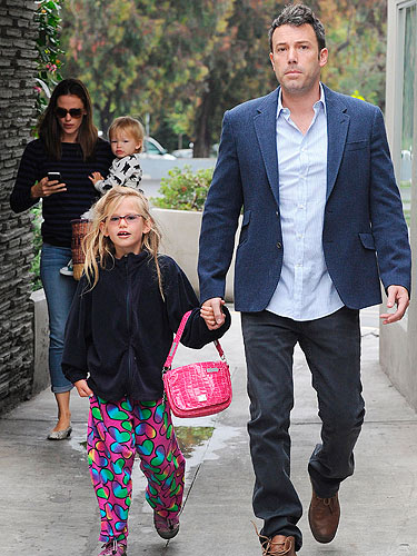 Jennifer Garner and Ben Affleck have a family day out at ...