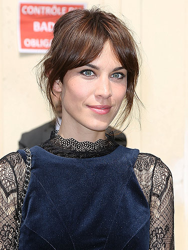Alexa Chung reveals how to do her perfect eyeliner :: Get ...