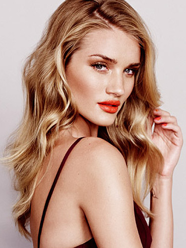 Share Rosie Huntington Whiteley