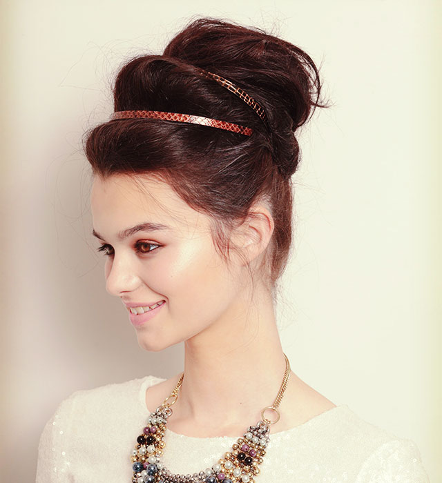Wondrous Three Steps To This Party Hairstyle A Double Volume Topknot Short Hairstyles Gunalazisus