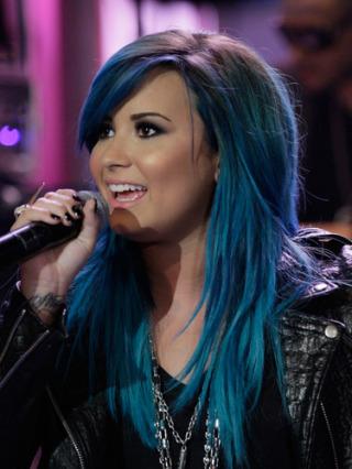 demi lovato s new blue hair four shades of hair dye