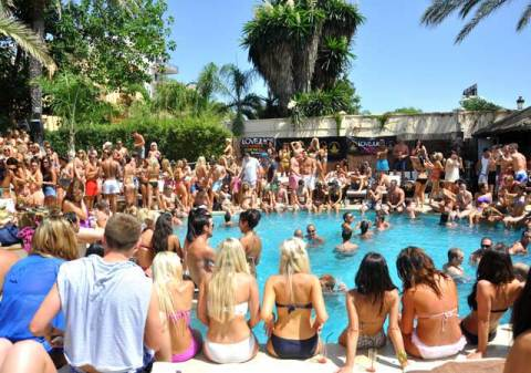 Best Hotels To Stay In Vegas For Bachelorette Party